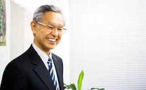 櫻井弁護士の顔写真