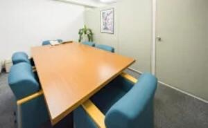 事務所の相談室の風景