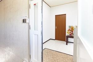 事務所の玄関の写真