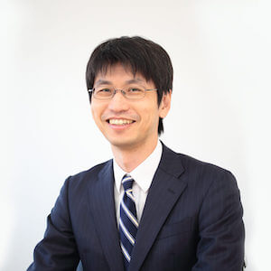 篠田弁護士の顔写真