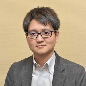 宮本弁護士の顔写真