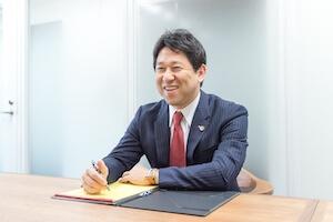 吉田弁護士の顔写真