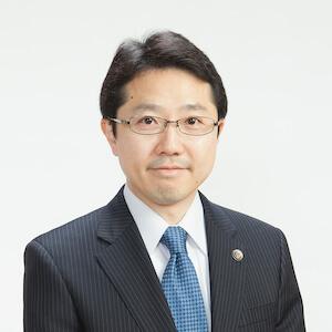 竹之内弁護士の顔写真