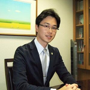 福岡弁護士の顔写真