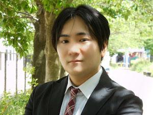 小玉弁護士の顔写真